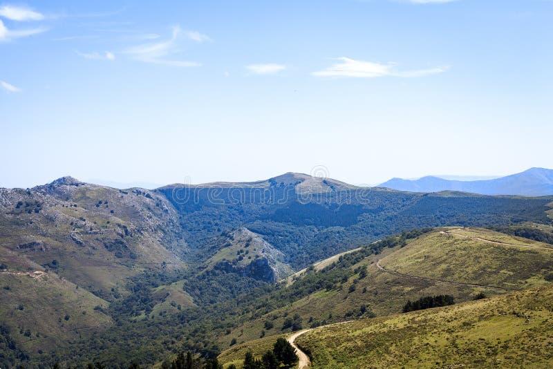 卡斯特罗-乌尔迪亚莱斯地区风景 免版税库存照片