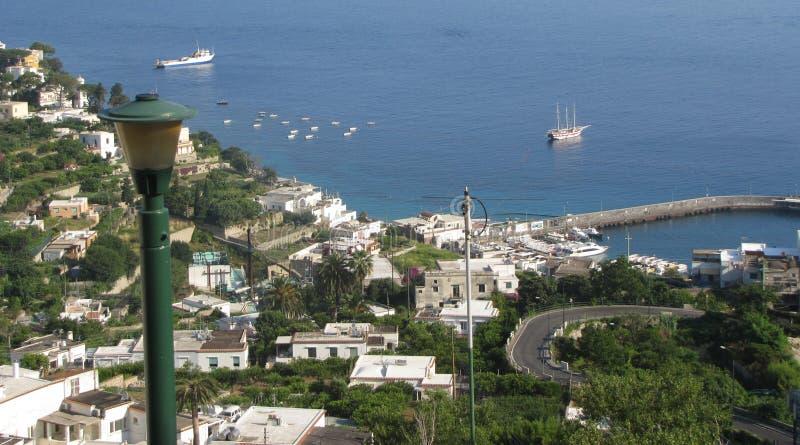 卡普里岛从在小岛上面的` s秀丽视域  免版税图库摄影