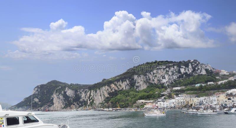卡普里岛小岛的全景  库存照片