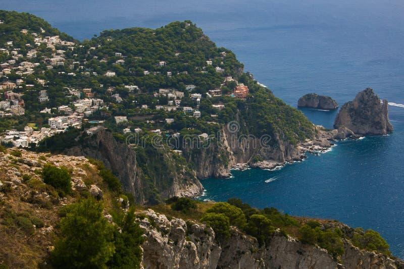 卡普里岛海岛美妙的看法夏季的 库存图片