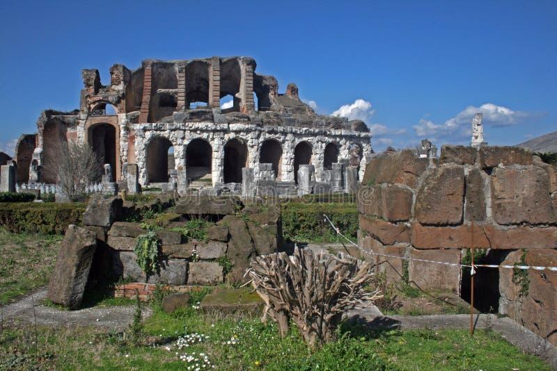 卡普阿vetere废墟 库存图片