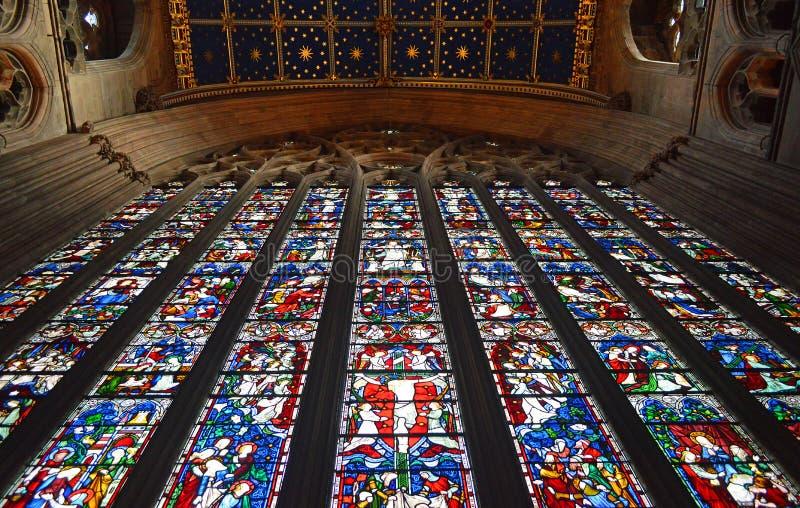 卡来尔大教堂,唱诗班天花板和东部窗口内部视图 库存图片