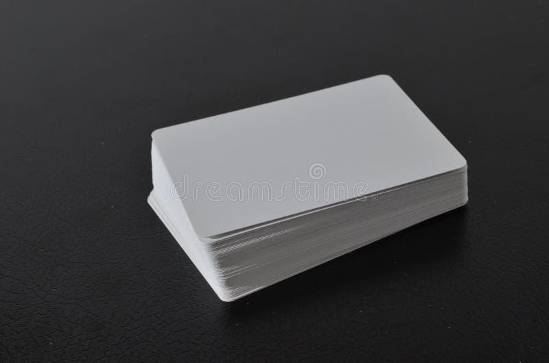 Download 卡片组使用 库存图片. 图片 包括有 甲板, 抽象, 诉讼, 纸张, 赌博, 娱乐场, 啤牌, 减速火箭 - 53134107