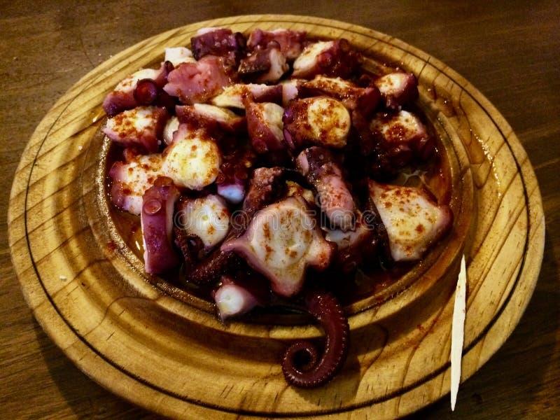 卡米诺最佳的polbo在梅利德,pulpo章鱼在Spai kraken 库存图片