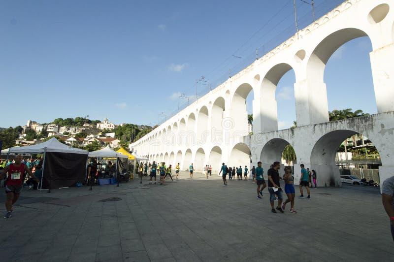 卡约埃尔考斯da Lapa地标白色曲拱在里约热内卢巴西Centro  库存照片