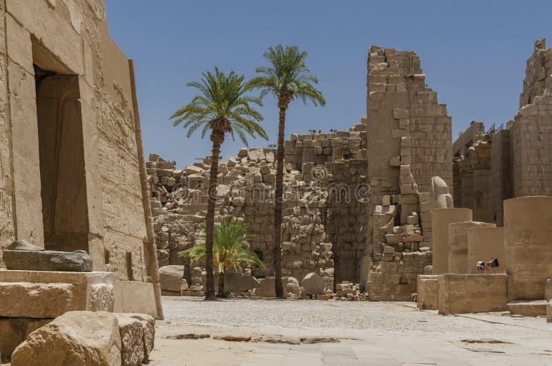 卡纳克神庙寺庙的废墟在卢克索,埃及 免版税库存照片