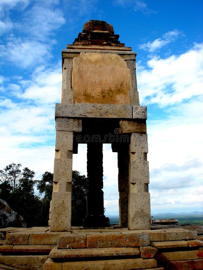 卡纳塔克邦印度在迈索尔惊人的建筑学附近的halebidu beluru 免版税库存照片