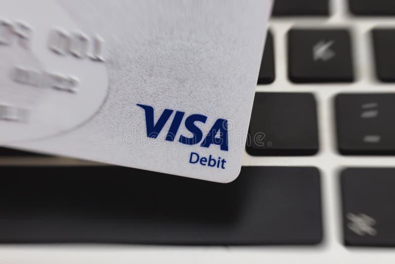 卡萨布兰卡,摩洛哥,2018年11月1日,签证借记卡商标的特写镜头视图, 库存图片