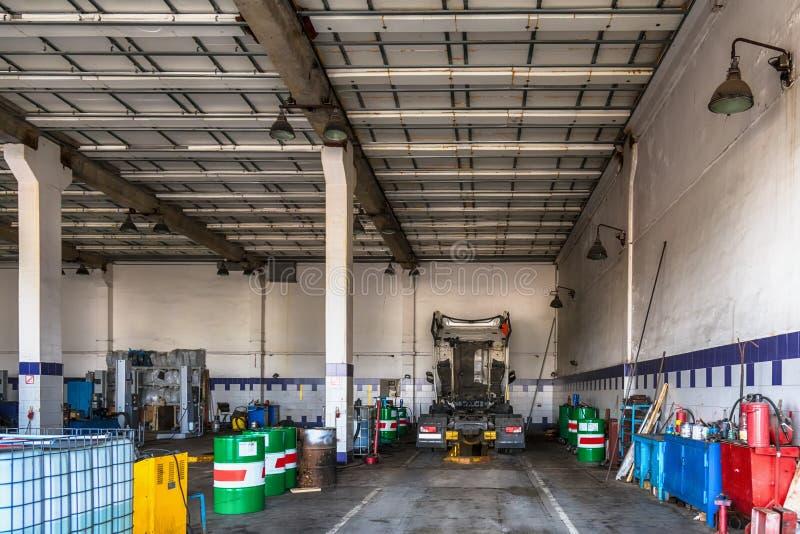 卡车或卡车维修车间服务 库存照片