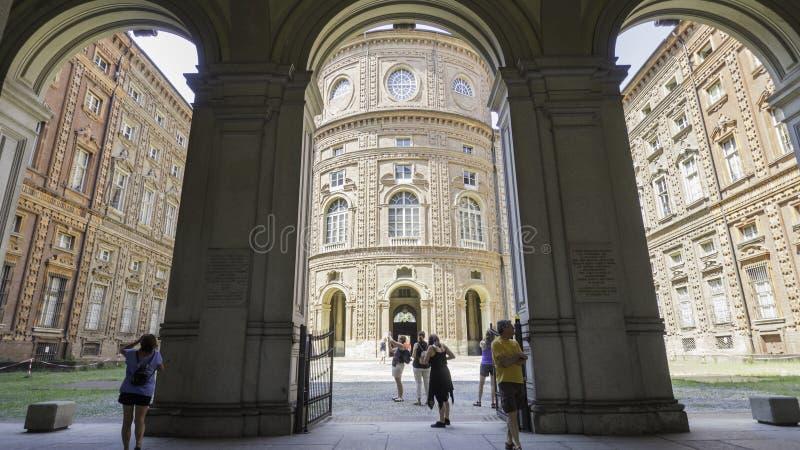 卡里尼亚诺的王子的宫殿在都灵 免版税库存图片