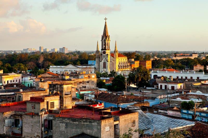 卡马圭联合国科教文组织世界遗产名录中心从上面 观点的屋顶和耶稣大教堂的耶稣圣心 免版税图库摄影