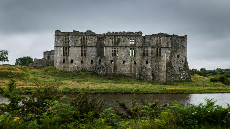 卡鲁城堡Pembrokeshire威尔士 免版税图库摄影