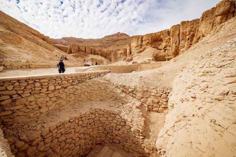 卢克索埃及坟茔挖掘的帝王谷 免版税库存照片