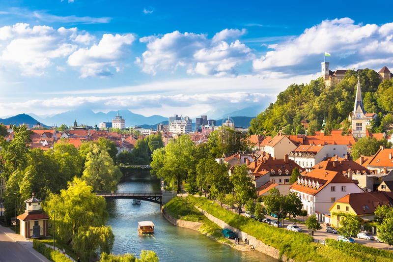 卢布尔雅那,斯洛文尼亚,欧洲全景  库存照片