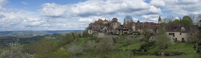 Download 卢布雷萨克 库存照片. 图片 包括有 法国, 国家(地区), 塑造, 石头, 房子, 证实, 红色, 屋顶 - 72371438