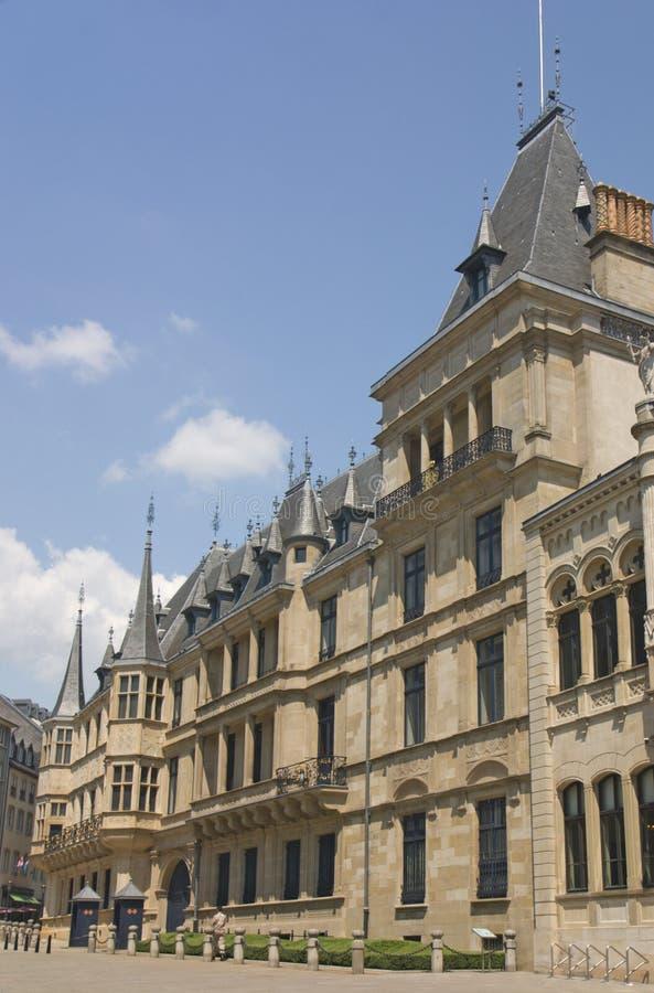卢森堡公爵全部宫殿侧视图 免版税库存照片