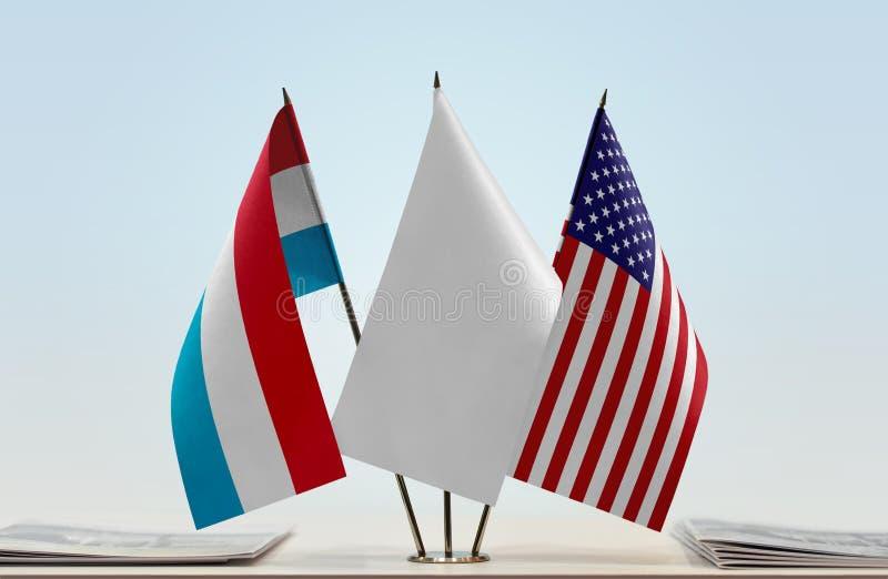 卢森堡和美国的旗子 免版税库存图片