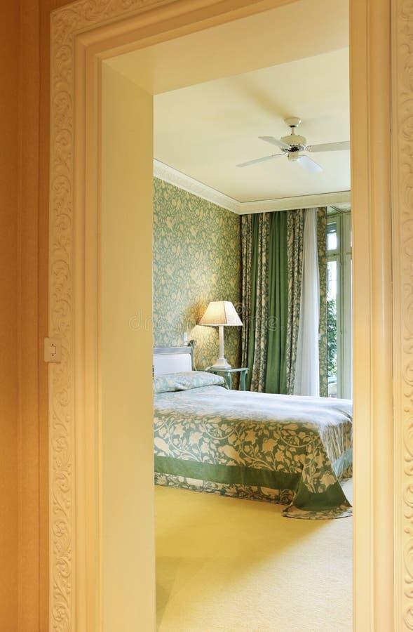 卧室方便的走廊视图 免版税库存图片