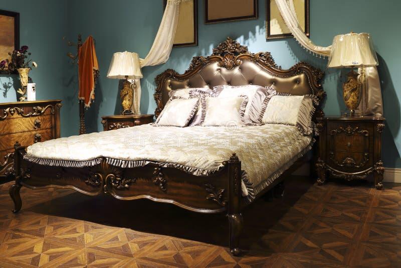 卧室的欧洲宫殿样式 库存图片