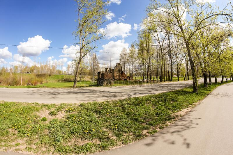 卫国战争纪念碑遗址附近的道路 免版税库存照片
