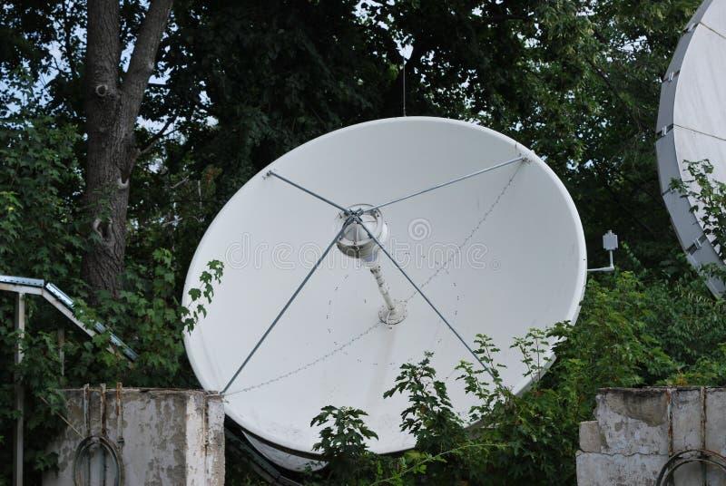 卫星盘 免版税库存照片