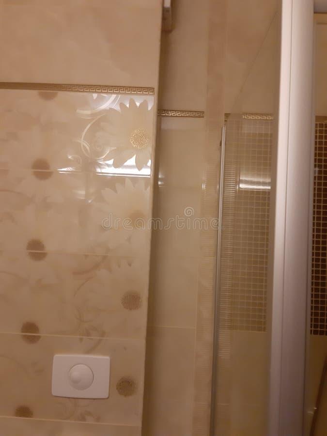 卫生间墙壁旅馆 免版税库存照片