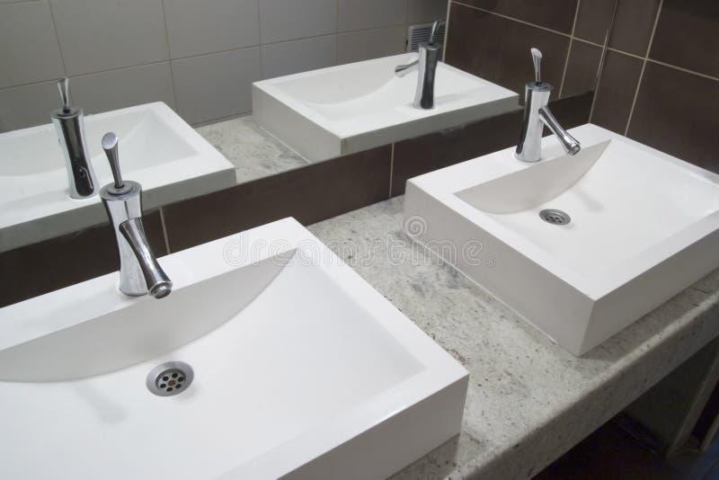卫生间水槽 免版税库存照片
