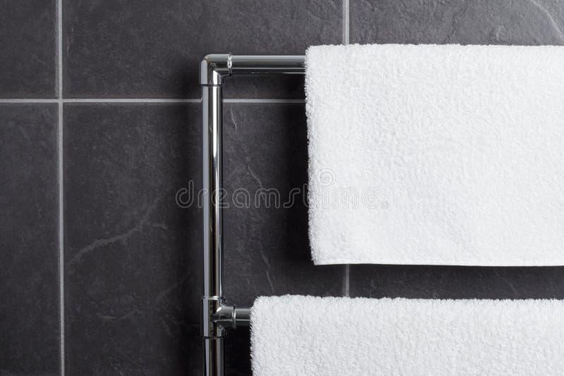 卫生间铁路运输毛巾 免版税图库摄影