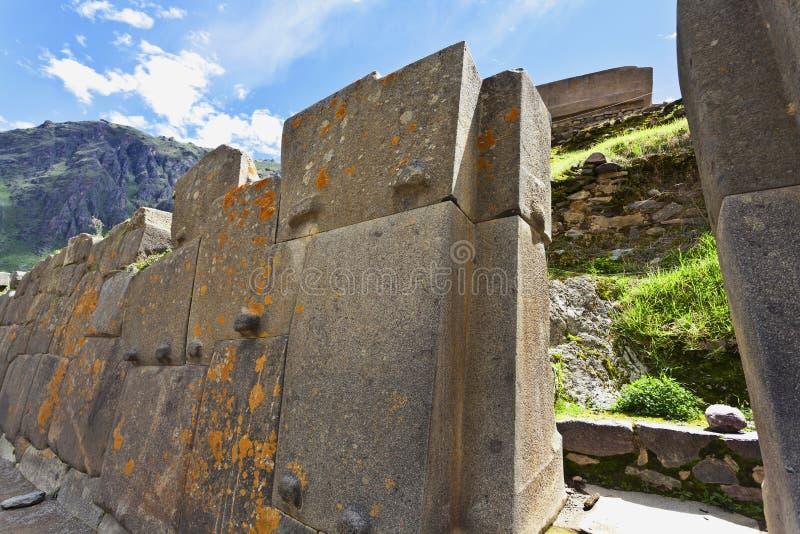 印加人墙壁在Ollantaytambo,瓦尔萨格拉多-神圣的谷在库斯科省,秘鲁 图库摄影