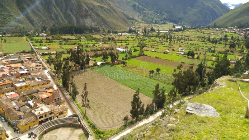 印加人的神圣的谷,往Machupicchu的Ollantaytambo 免版税图库摄影