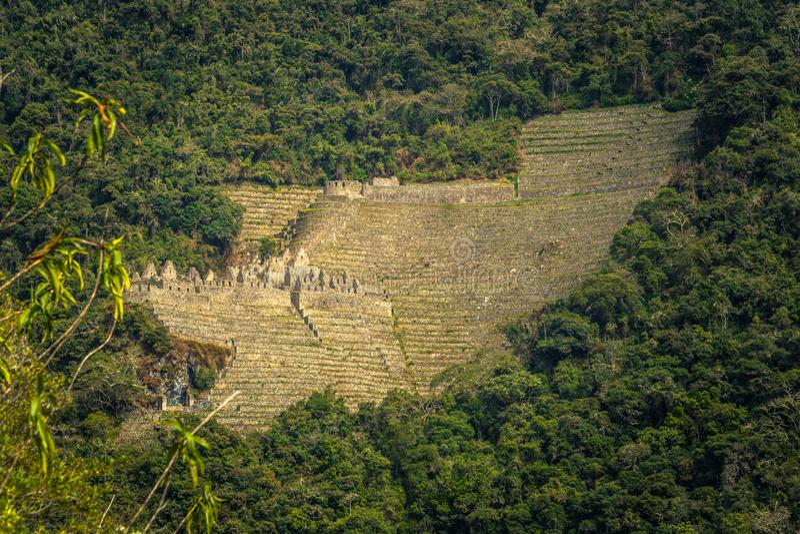 印加人足迹,秘鲁- 2017年8月03日:Ancien的全景 免版税库存图片
