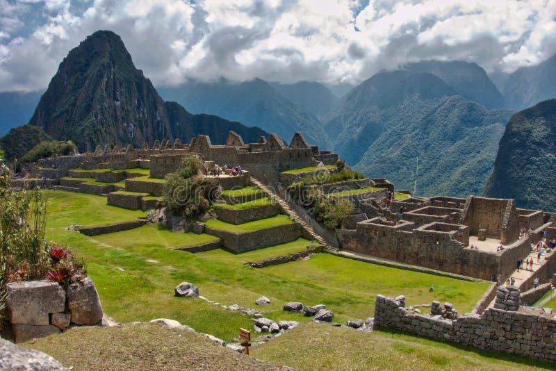 印加石废墟的看法在马丘比丘的 免版税图库摄影