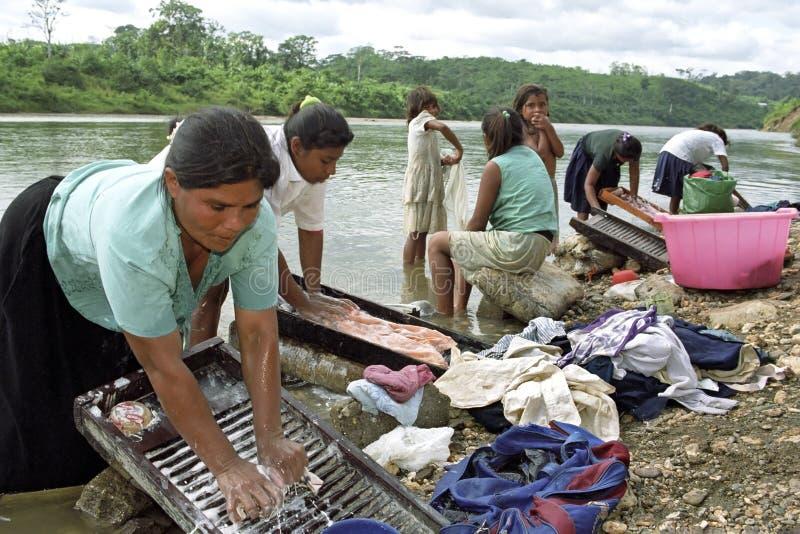 印地安人科科河,尼加拉瓜村庄生活  免版税库存照片