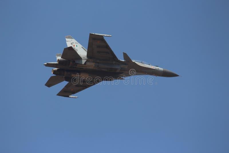 印地安人空军队战斗机` IAF `飞行HAL Tejas :苏霍伊Su30 MKI 免版税图库摄影