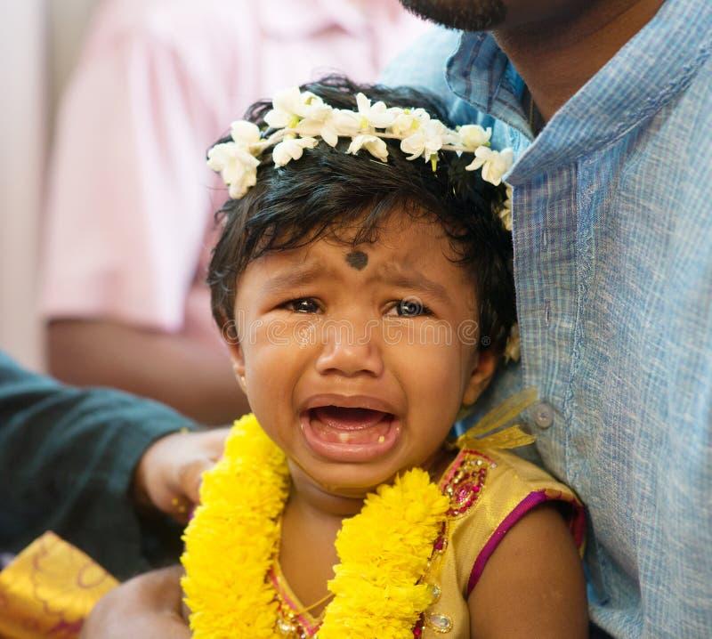 印地安女婴哭泣 免版税图库摄影