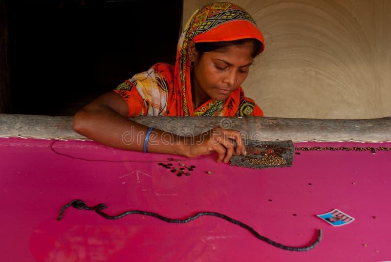印地安妇女编织 免版税库存图片