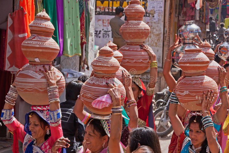 印地安婚礼队伍 免版税库存图片