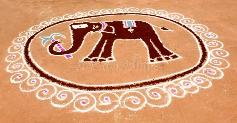 印地安滑稽的大象kolam设计 免版税库存图片