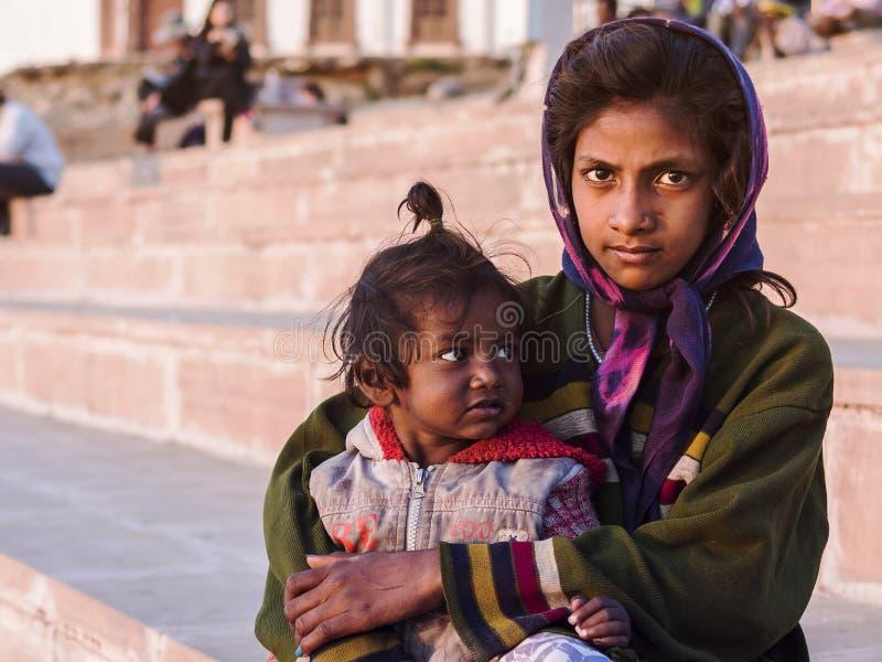 印地安街道孩子在普斯赫卡尔,印度 图库摄影
