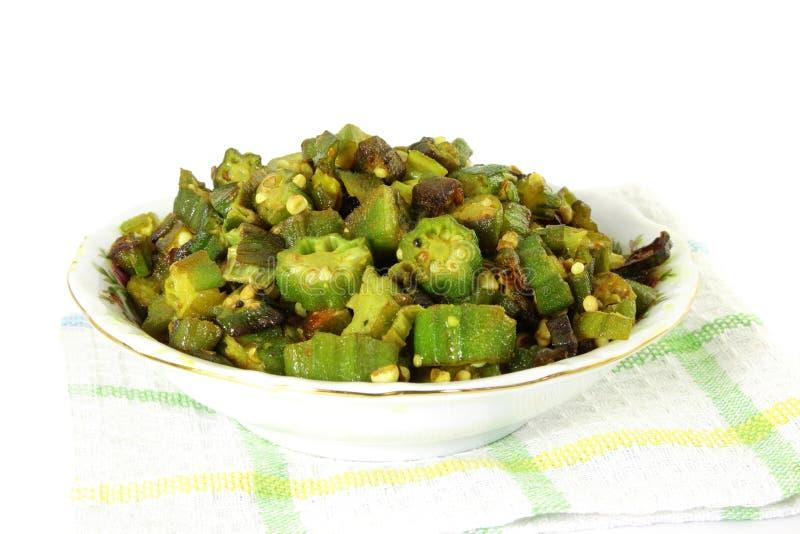 印地安masala油煎了秋葵bhindi或松脆饼咖喱 图库摄影