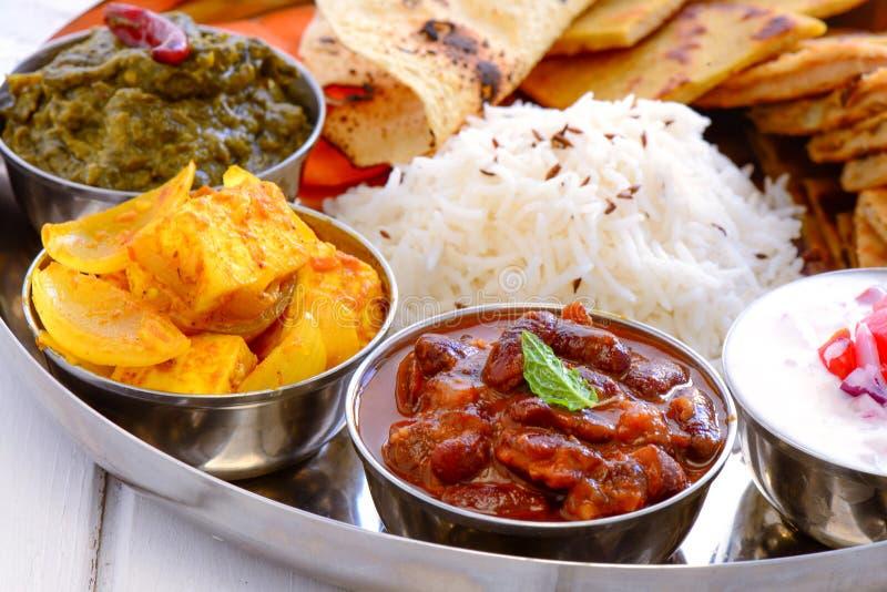 印地安Thali旁遮普人膳食 免版税库存照片