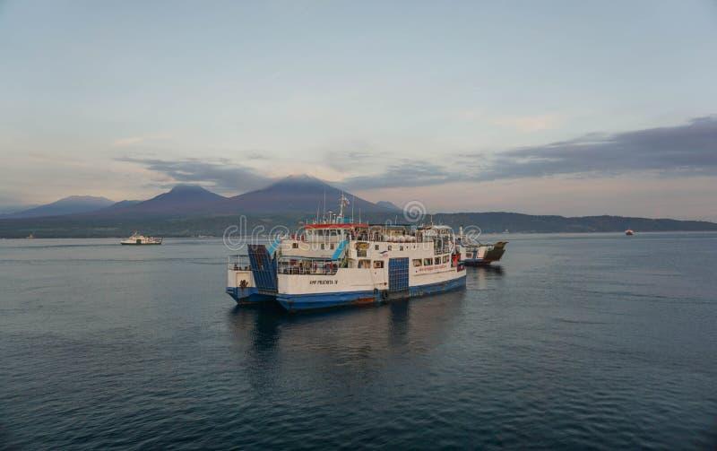印尼半玉王港的日出 库存图片