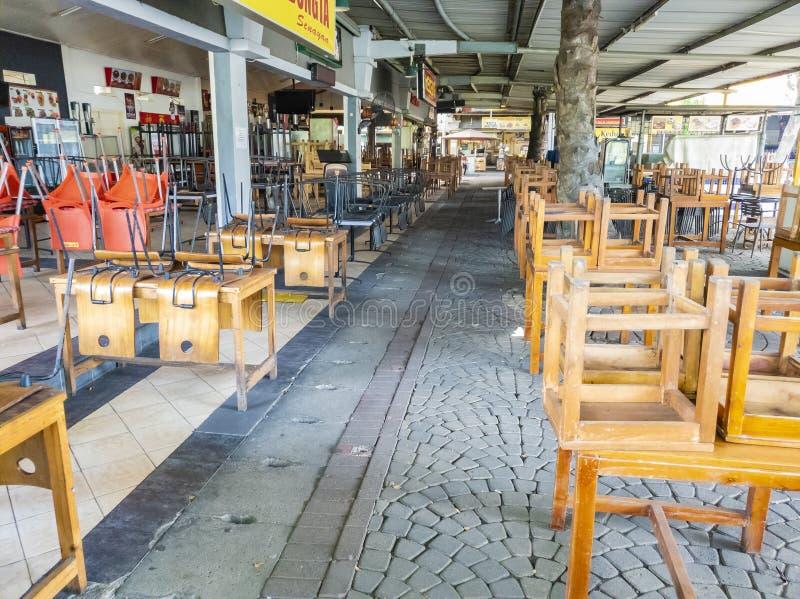 印尼坦格朗一商场闭门食品大排档 库存照片