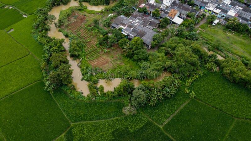 印尼坦格朗,天景美丽的梯田和住宅 库存图片