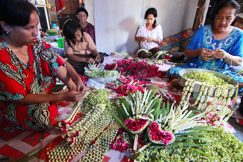 印尼巴尼亚马辛典型的花朵布置 免版税库存照片