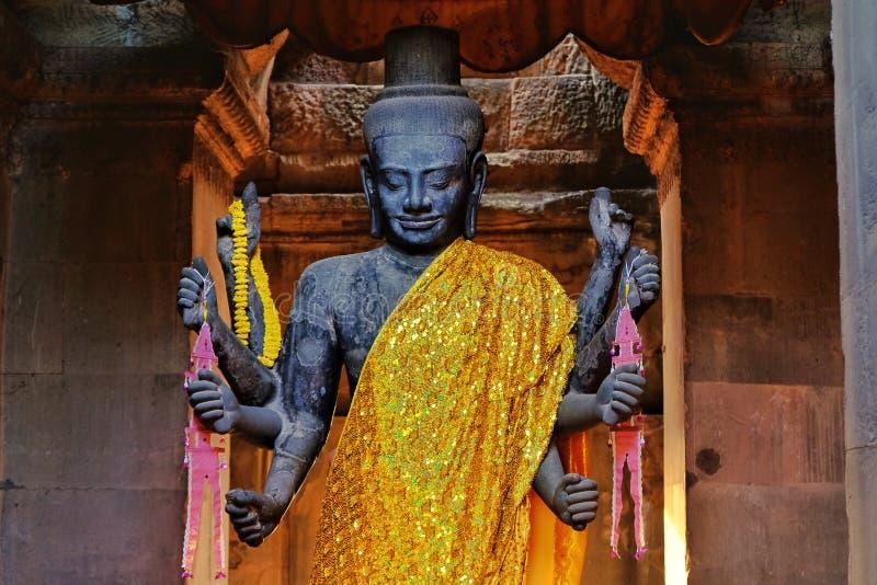 印度上帝, Visnu的雕象在吴哥窟发现了 库存照片