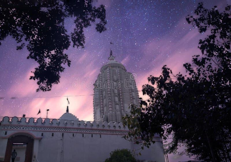印度兰基贾甘纳寺夜间银色星 库存图片