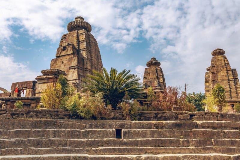 印度北阿坎德邦巴格什瓦尔区拜伊纳特中世纪石庙遗址 免版税库存照片