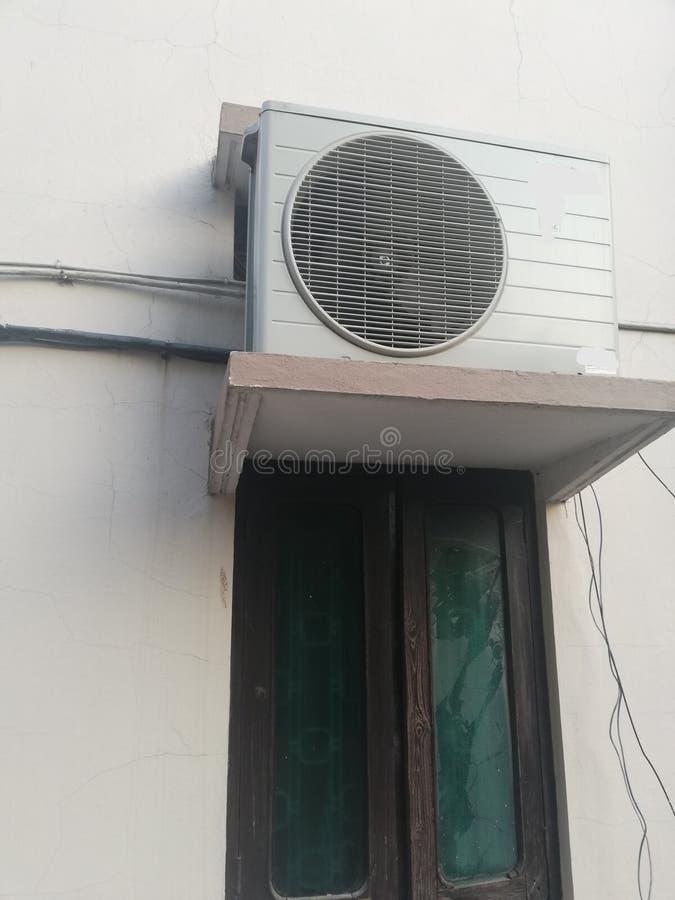 印度印度一栋房子的空调外墙 免版税库存图片