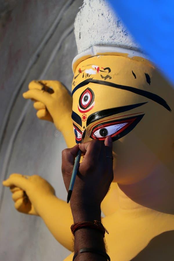 印度女神戴维杜尔加黏土神象  印度女神杜尔加神象在准备期间的在加尔各答 库存照片